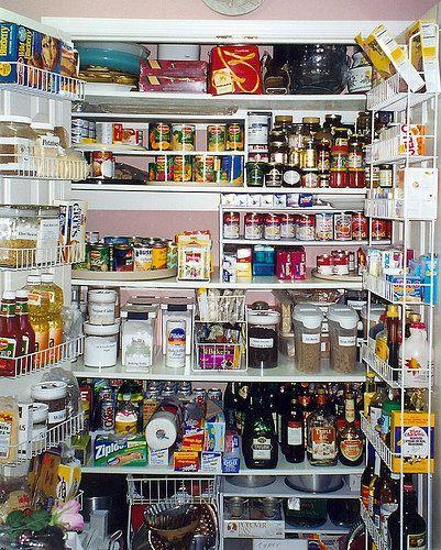 Una despensa bien organizada paperblog for Food storage ideas for small kitchen