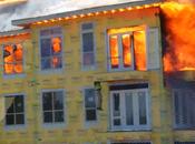 Dramático video rescate impactante incendio