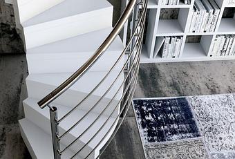 Ideas para decorar escaleras interiores peque as ideas for Escaleras interiores pequenas