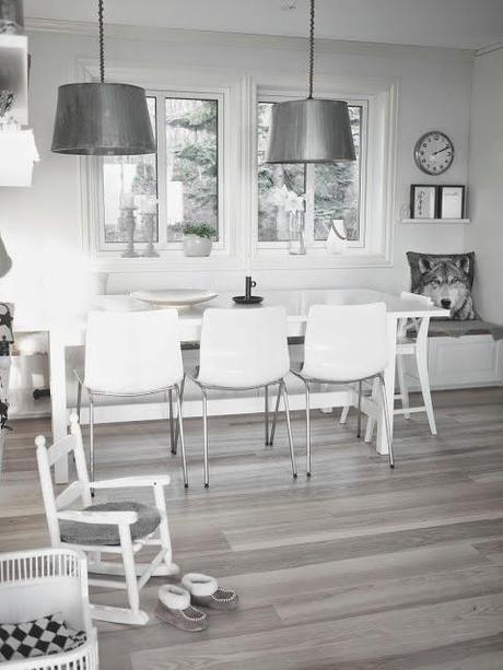 Una cocina blanca y gris con office n rdico paperblog - Cocina blanca y gris ...