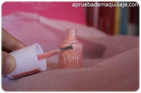 Pincel de los esmaltes de uñas play texture sugar powder nails de Etude House