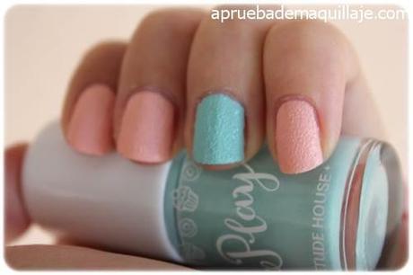 Swatch 2 de los esmaltes de uñas play texture sugar powder nails de Etude House tonos 192 y 194