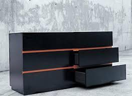 Algunos muebles para ganar espacio en tu habitaci n for Comodas alargadas