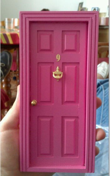 La puerta del ratoncito p rez una puerta a la for Puerta raton perez