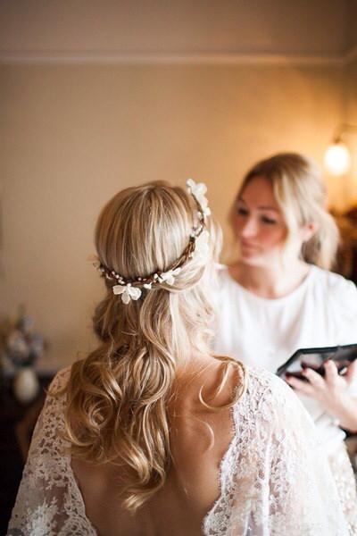 Recogidos Y Peinados De Novia Con Flores Naturales Paperblog