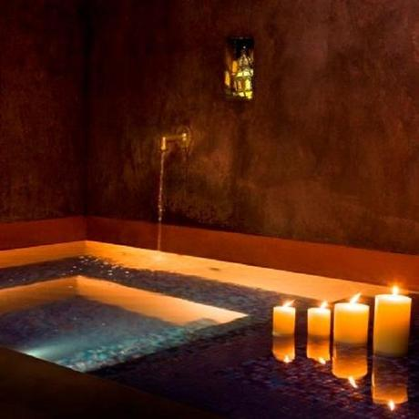 spa hammam rituels d orient rituales de belleza de las tradiciones orientales en barcelona. Black Bedroom Furniture Sets. Home Design Ideas