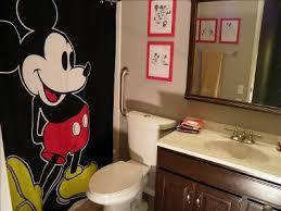 Decoraci n de ba os con mickey mouse paperblog for Cuartos de bano famosos