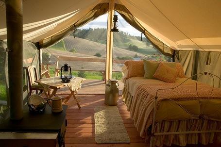 Glamping en Argentina: la idea de acampar con el confort de un hotel.