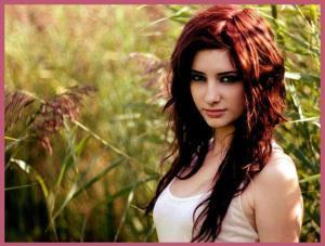 cabello rojo 300x227 Aplicación de un TINTE rojo