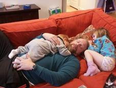 ¿Cómo controlar nuestros trastornos sueño como padres madres?