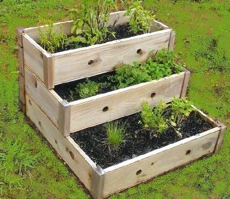 Jardineras de madera protagonistas de la jardiner a de - Jardineras de madera caseras ...