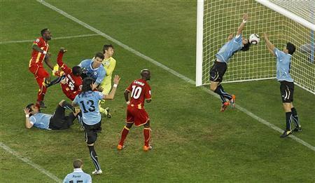 Uruguay vence a Ghana en los penaltis y se mete en semifinales mundial Selecciones que enamoran uruguay derrota a ghana 2010