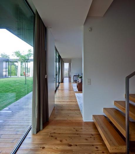 Casa minimalista de hormigon minimalist concrete house for Minimalist concrete house