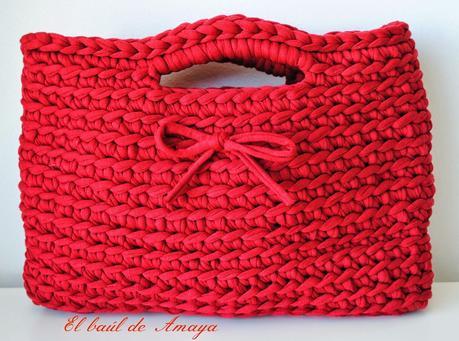 Bolso de trapillo rojo paperblog - Hacer bolsos de trapillo ...