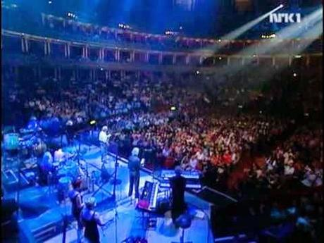 GRANDES PERFORMANCES [XXI]: THE MOODY BLUES Royal Albert Hall, Londres, 01/05/2000.