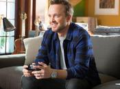 Aaron Paul capaz encender 'Xbox One' distancia