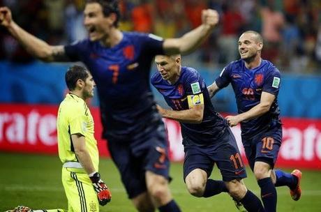 España 1- Holanda 5 La Roja humillada y herida de muerte