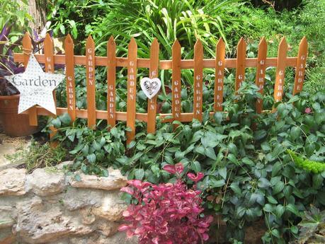 Desayuno veraniego en el jard n paperblog for Como hacer una sombrilla para jardin