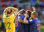 Australia casi sorprende Holanda