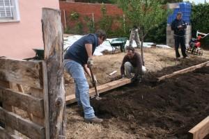 IMG 0485 300x200 Realizamos con Leroy Merlin  un huerto en Aldeas Infantiles