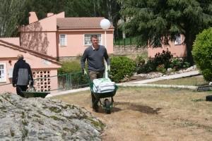IMG 0490 300x200 Realizamos con Leroy Merlin  un huerto en Aldeas Infantiles