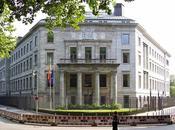 Embajada, Consulado, pueden ayudarme.
