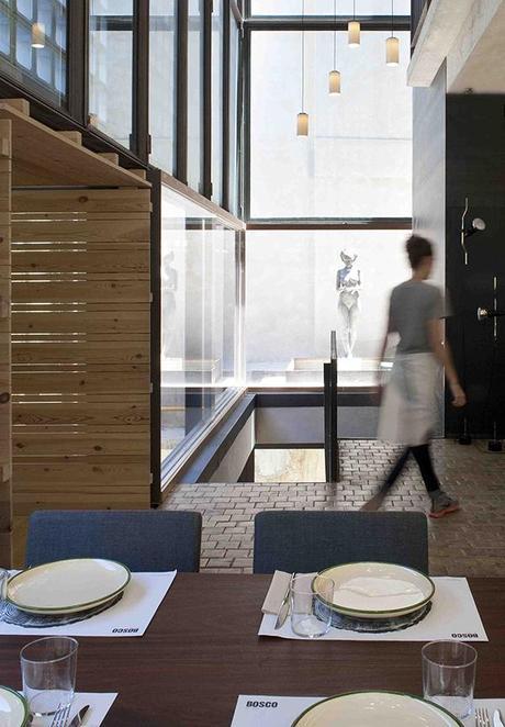 El restaurante bosco de lobos coloniza el colegio de for Restaurante escuela de arquitectos madrid