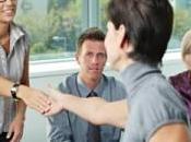 Cinco maneras compensar empleados, además dinero.