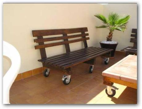 Lindos muebles hechos con palets reciclados paperblog for Muebles palets reciclados