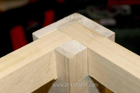 Mesa de carpintero paperblog - Como hacer patas de madera para mesas ...