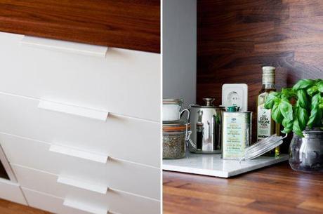 Cocina blanca con revestimiento de madera oscura paperblog - Cocinas escandinavas ...