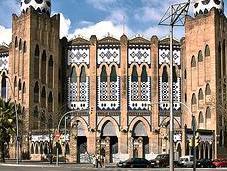 plaza toros Barcelona. templo barbarie, dinero