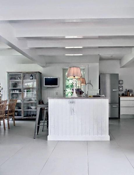 Casa escandinava rustica con aire wabi sabi rustic for Casa escandinava