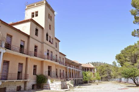 Los 10 lugares más embrujados de España por Copernico Garcia Visita-al-sanatorio-sierra-espuna-L-0CSOnO