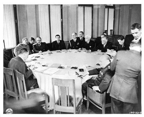 Las tres conferencias: Teherán, Yalta, Postdam (II)