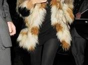 Kate Moss apunta look 'Polar'. Descubre celebrities llevan cómo