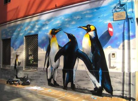 Graffiti en tienda de pinturas Jotun, en Paiporta