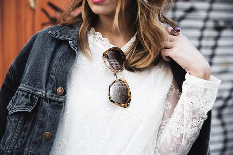 Vintage-Denim_Jacket-Lace_Dress-Olive_Clothing-Clare_Vivier-Leopard-Outfit-Street_Style-41