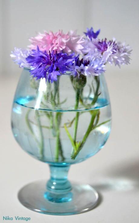 flores, cristal, bouquet, bouquets, vaso, vasos, copa, licor, diy, hazlo tu mismo, ambar, decoracion mesas, rosas, florero, violetero, aciano, antiguo