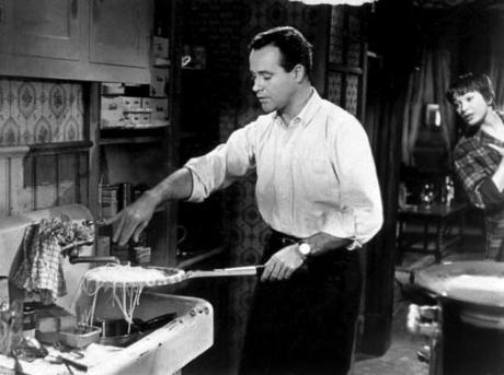jack-lemmon-with-shirley-maclaine-in-the-apartment-1960-united-artists