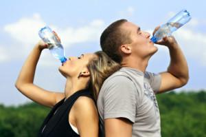 Razones Importantes de Beber Agua