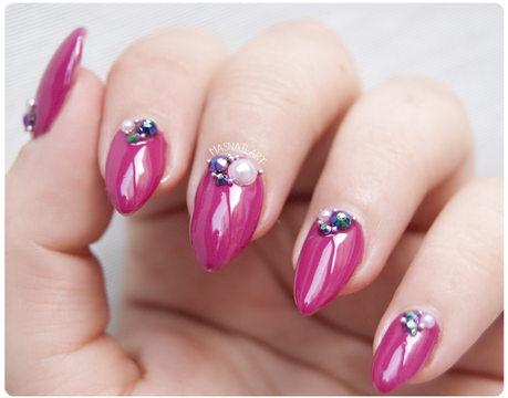 Notd u as elegantes con cristales swarovski y perlas for Unas con piedras swarovski