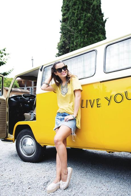 LidL_Ice_Cream-Levis_Vintage_Skirt-Yellow_Top-Espadrilles-Outfit-1
