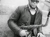 Logan Richardson saxofonista solo años na...
