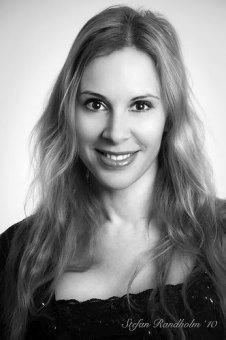 Regina Roman, escritora