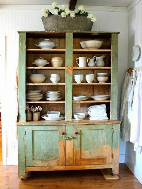 Guardar la vajilla en muebles rusticos paperblog - Muebles para vajillas ...