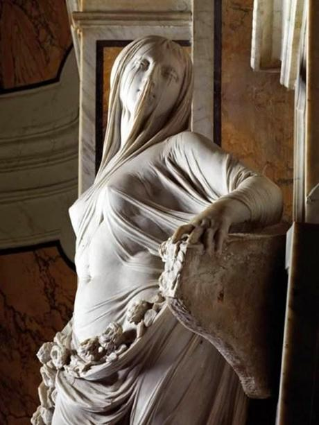 Esculpir un velo en mármol. Arte en estado puro que parece magia.