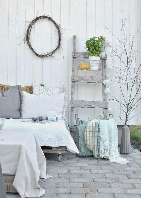 Reciclando para un porche con encanto paperblog - Como decorar un porche ...