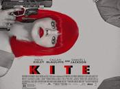 "Primer póster ""kite"" samuel jackson, india eisley callan mcauliffe"