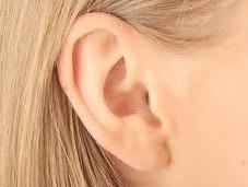 Cuidado salud oídos hora viajar verano